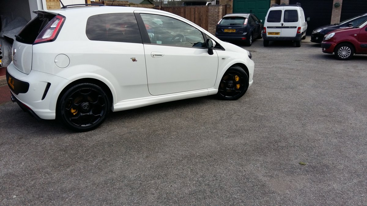 2014 Abarth Punto Evo Supersport 1.4-T-Jet 184BHP For Sale (picture 2 of 6)