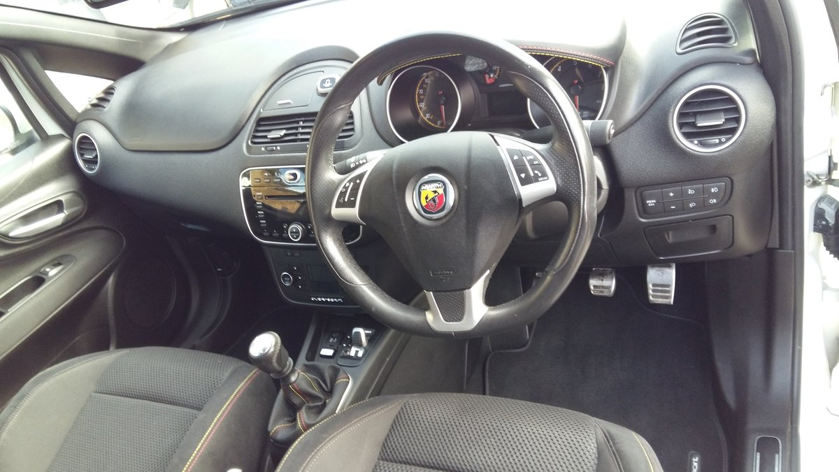 2014 Abarth Punto Evo Supersport 1.4-T-Jet 184BHP For Sale (picture 5 of 6)