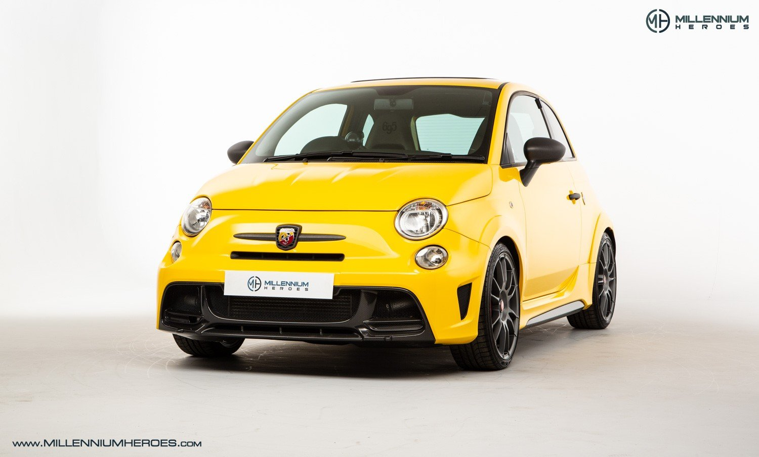 2016 ABARTH 695 BIPOSTO RECORD EDITION // 1 OF 133 WORLDWIDE For Sale (picture 1 of 6)