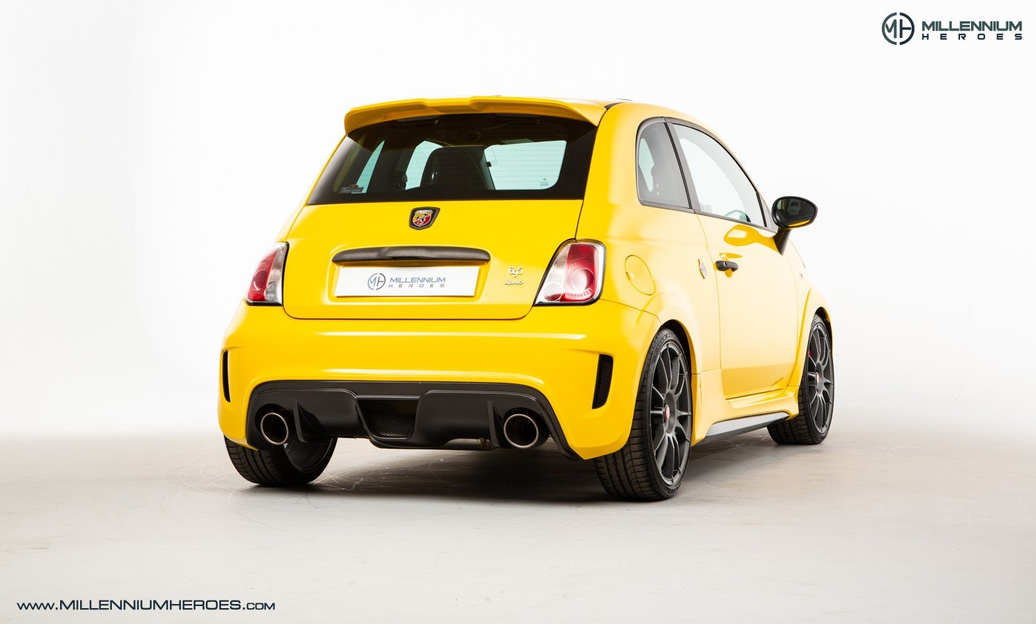 2016 ABARTH 695 BIPOSTO RECORD EDITION // 1 OF 133 WORLDWIDE For Sale (picture 3 of 6)