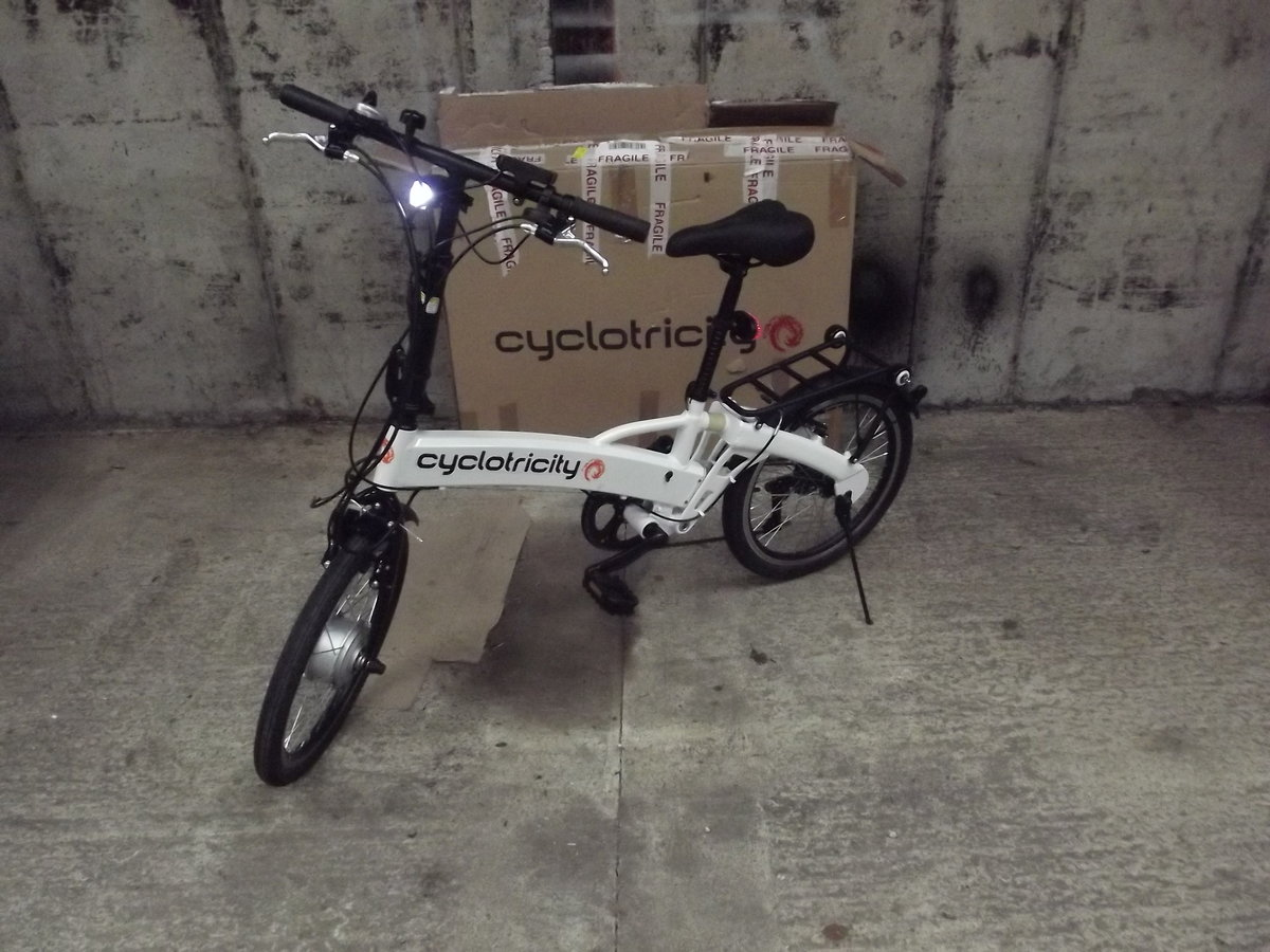 2020 Cyclotricity folding electric bike, as new For Sale (picture 1 of 6)