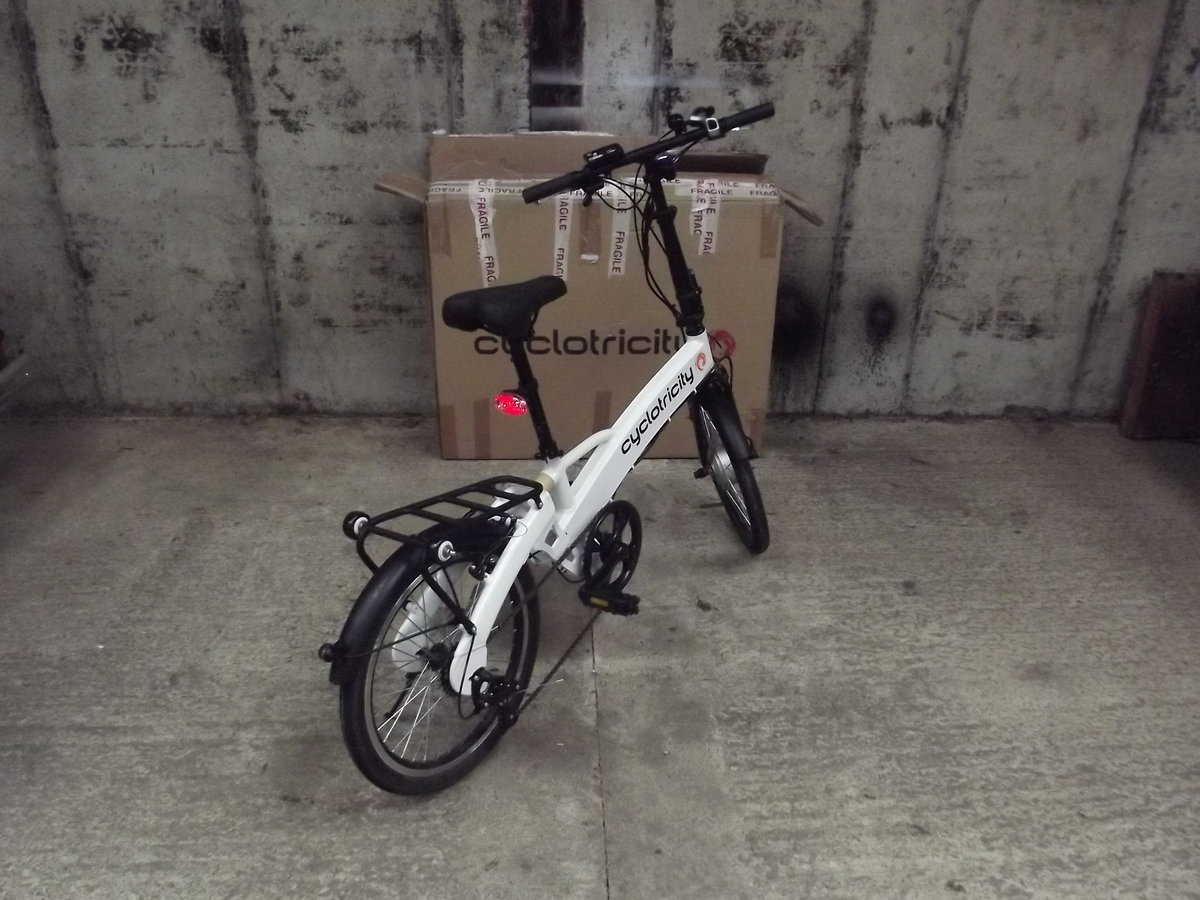 2020 Cyclotricity folding electric bike, as new For Sale (picture 2 of 6)