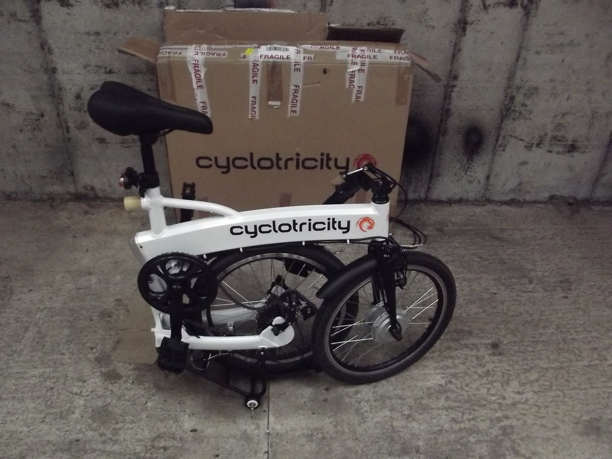 2020 Cyclotricity folding electric bike, as new For Sale (picture 3 of 6)