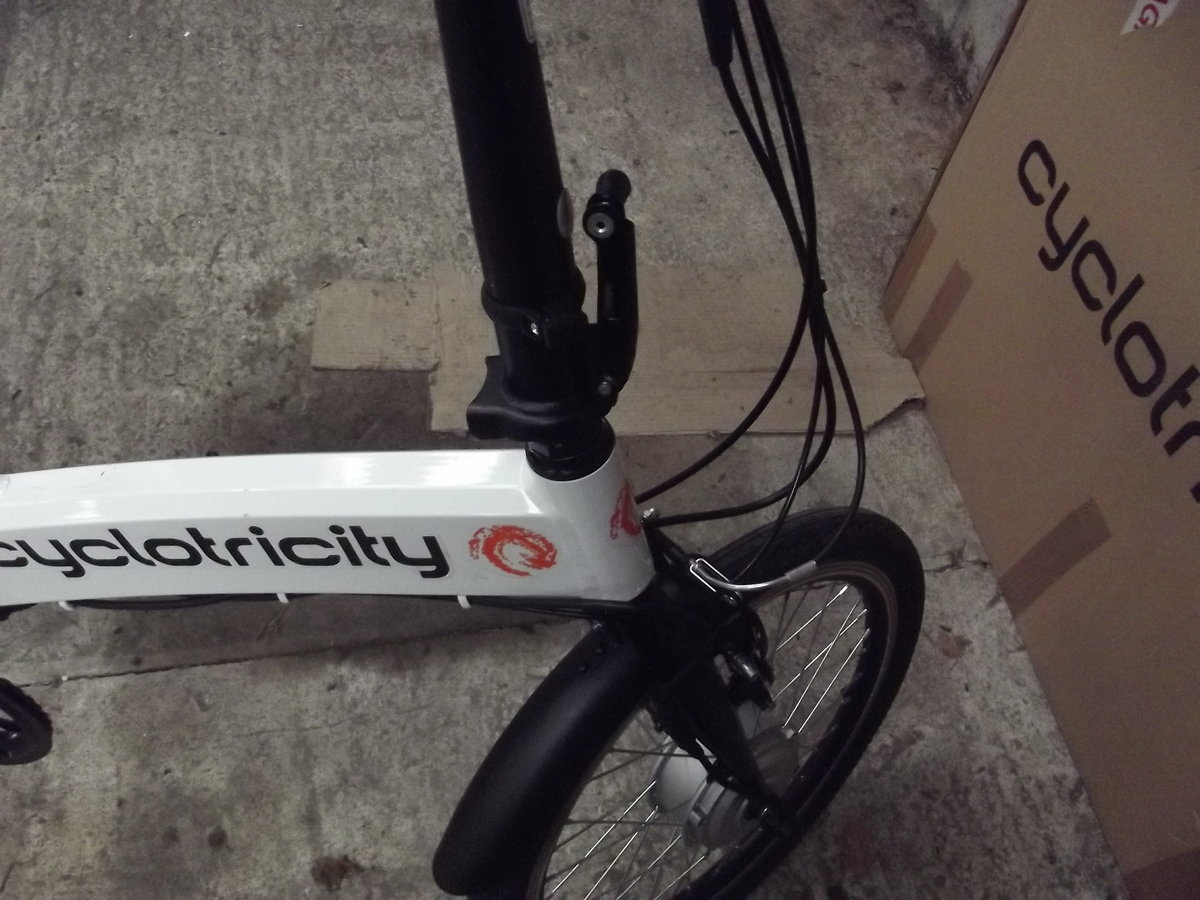 2020 Cyclotricity folding electric bike, as new For Sale (picture 6 of 6)