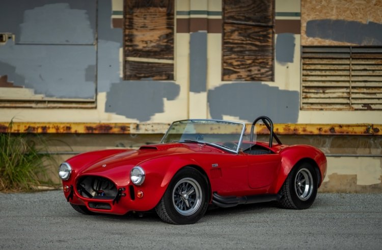 1965 Shelby Cobra CSX4000 427 S/C Red low 575 miles $104.5k  For Sale (picture 1 of 6)