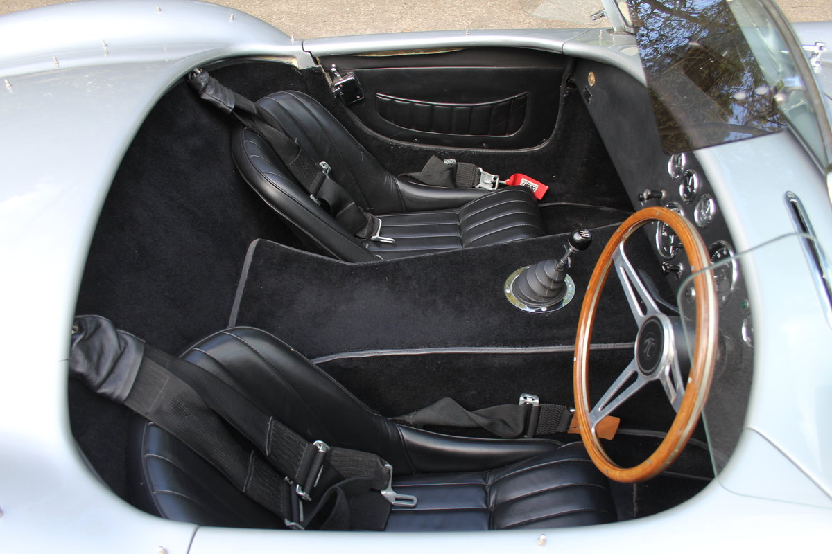 1966 AC Cobra Recreation - Authentic, Period, Ford 6.4cc SOLD (picture 9 of 19)