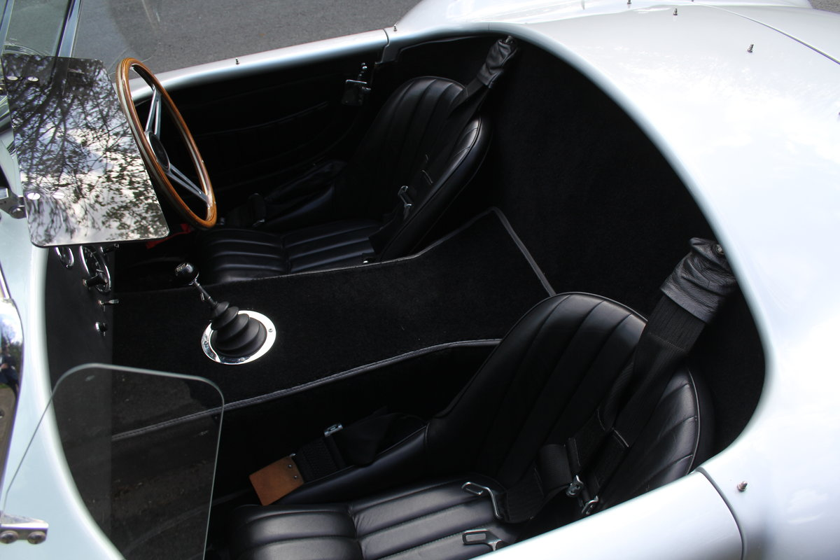 1966 AC Cobra Recreation - Authentic, Period, Ford 6.4cc SOLD (picture 10 of 19)