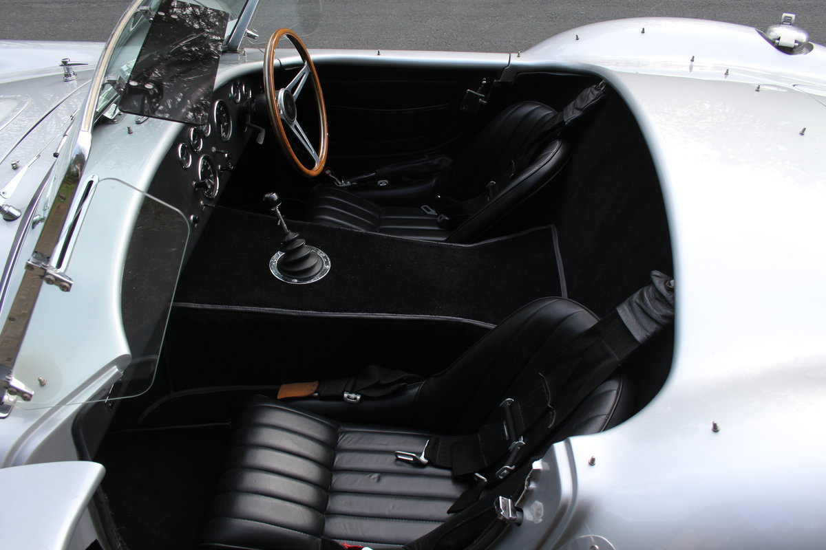 1966 AC Cobra Recreation - Authentic, Period, Ford 6.4cc SOLD (picture 12 of 19)