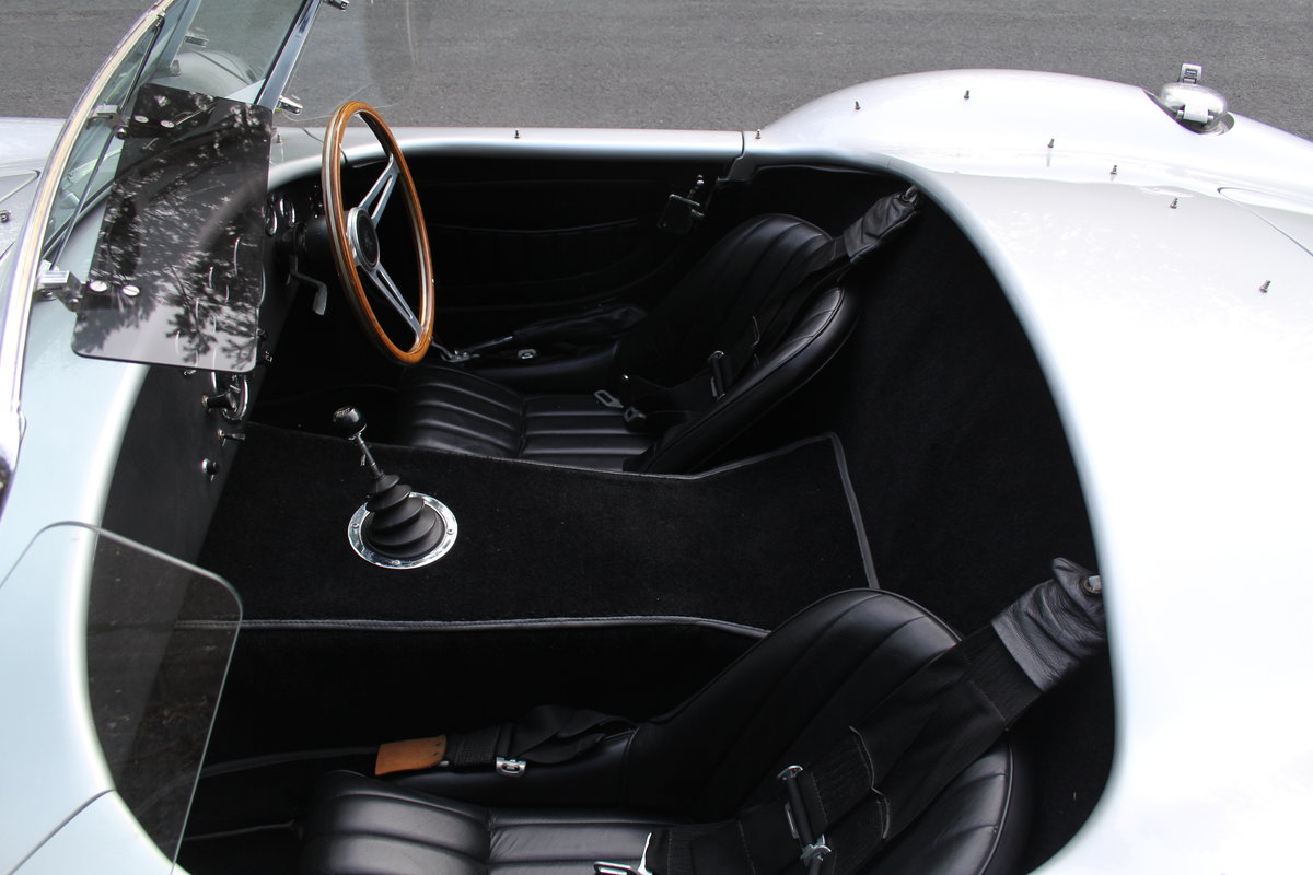 1966 AC Cobra Recreation - Authentic, Period, Ford 6.4cc SOLD (picture 14 of 19)