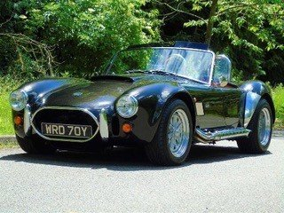 Show Winning AC Cobra 5700 (Replica)