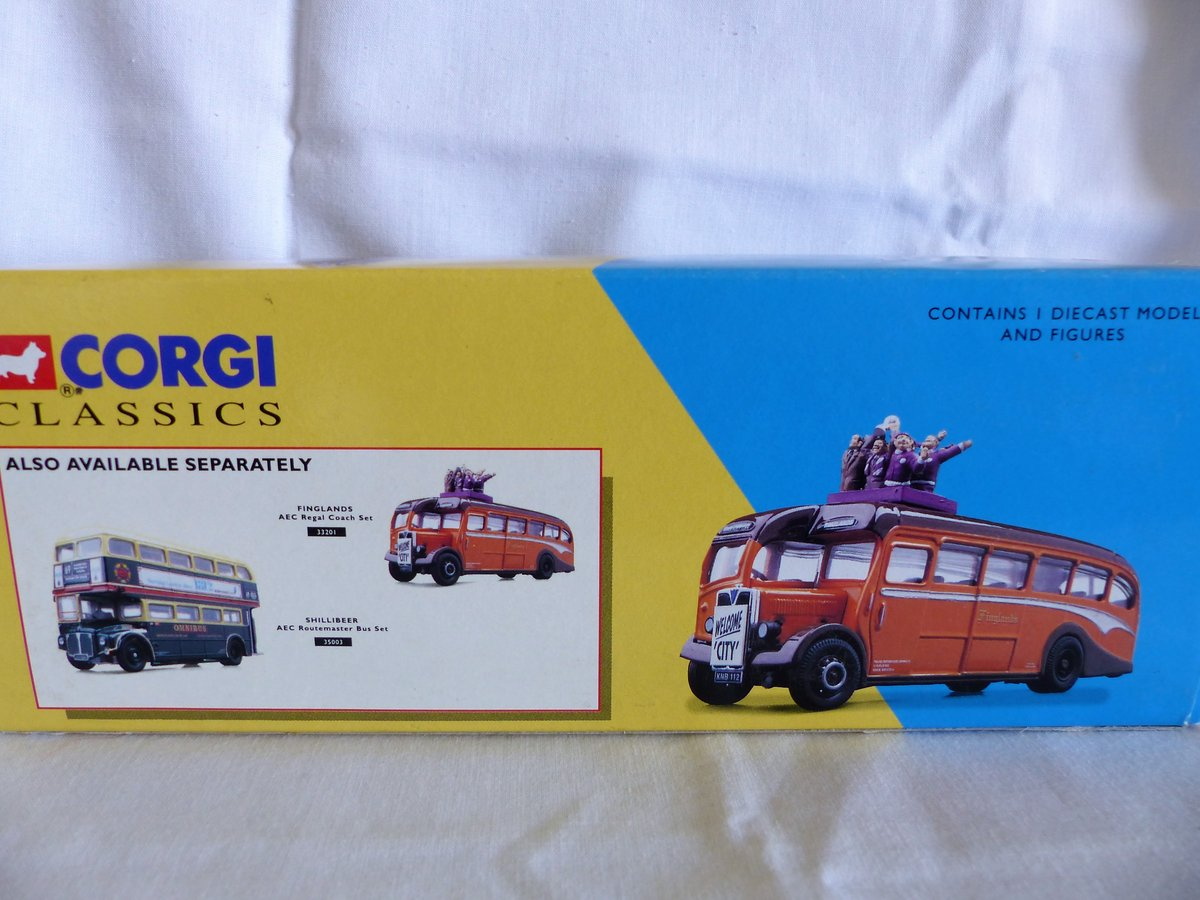 Aec REGAL COACH-FINGLANDS FOOTBALL 1:50 Scale MIB For Sale (picture 2 of 6)