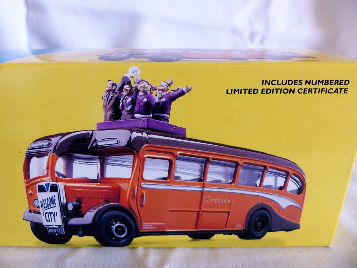 Aec REGAL COACH-FINGLANDS FOOTBALL 1:50 Scale MIB For Sale (picture 3 of 6)