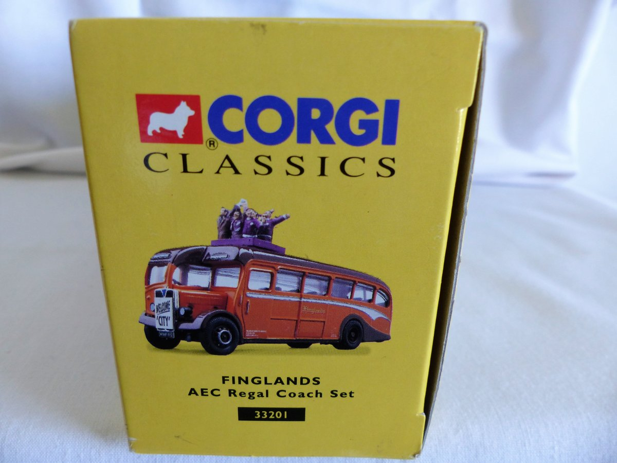 Aec REGAL COACH-FINGLANDS FOOTBALL 1:50 Scale MIB For Sale (picture 4 of 6)