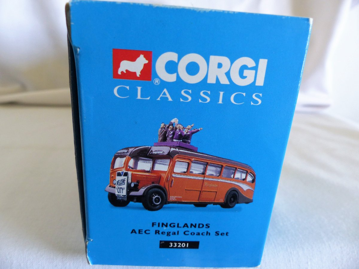Aec REGAL COACH-FINGLANDS FOOTBALL 1:50 Scale MIB For Sale (picture 5 of 6)