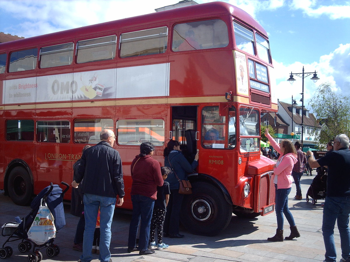 AEC Routemaster Come see my iconic London bus! For Sale (picture 2 of 6)