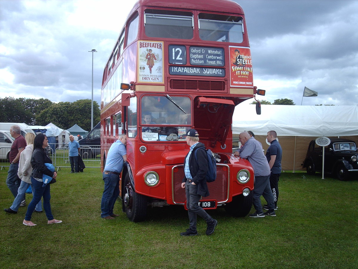 AEC Routemaster Come see my iconic London bus! For Sale (picture 5 of 6)