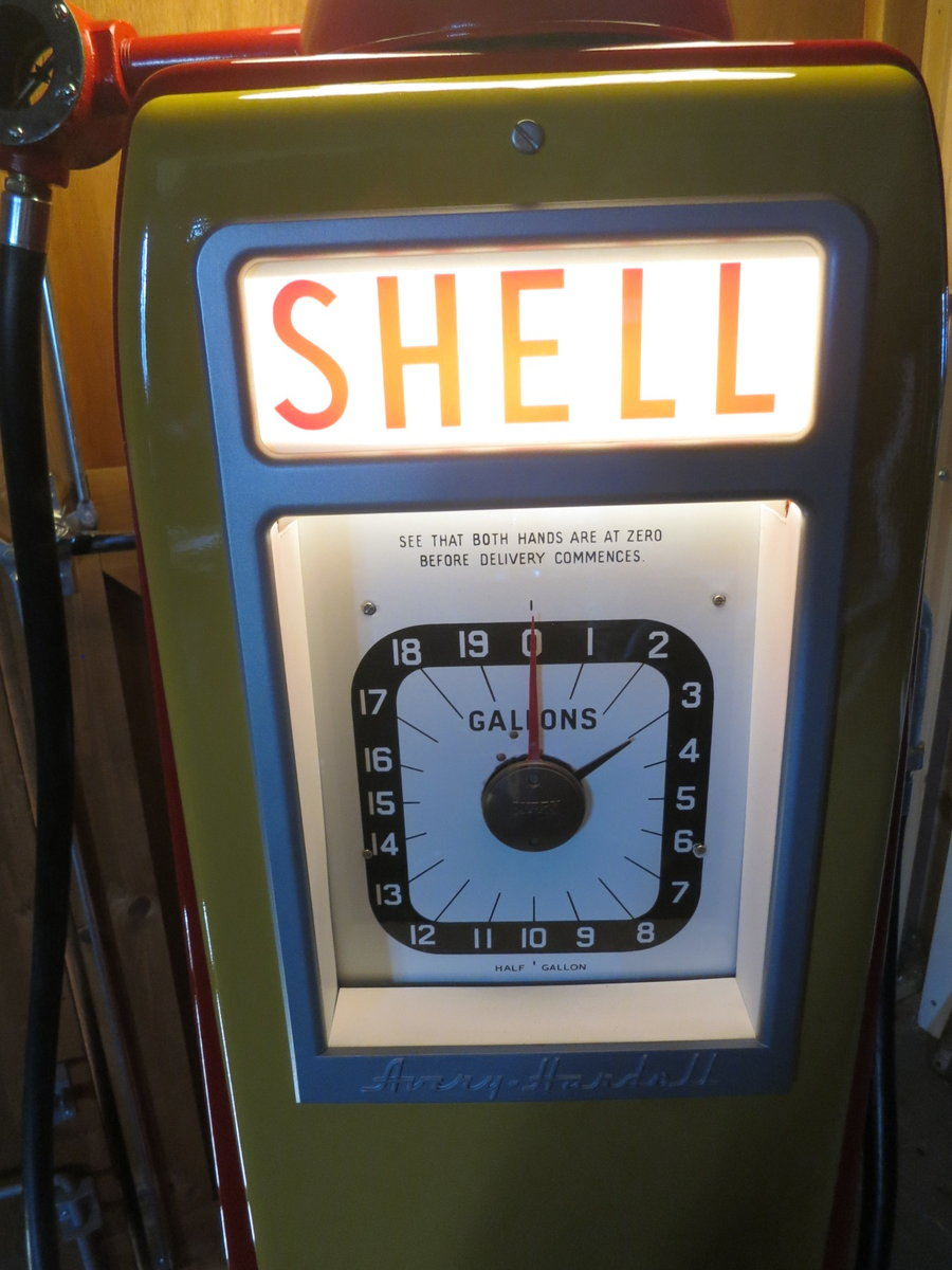 Avery Hardoll 1950's restored Shell petrol pump For Sale (picture 2 of 6)