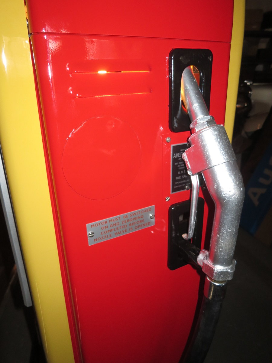 Avery Hardoll 1950's restored Shell petrol pump For Sale (picture 3 of 6)
