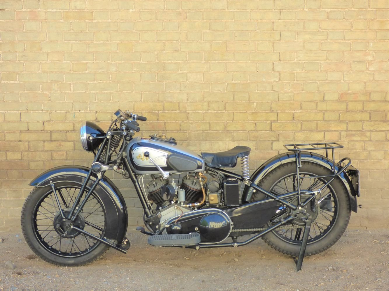 1937 AJS Model 2A V Twin 990cc For Sale (picture 2 of 6)