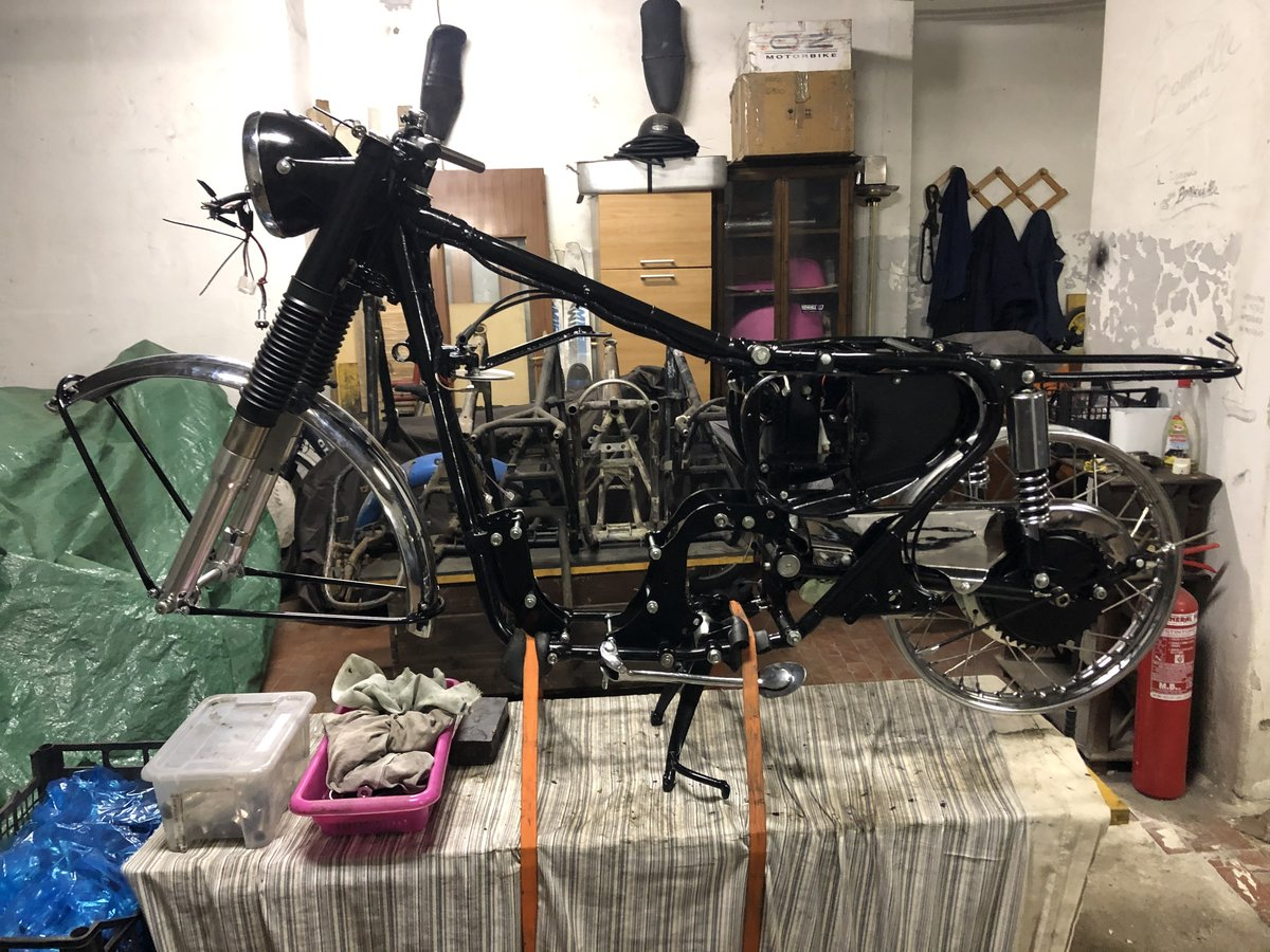 1967 AJS 33 project  For Sale (picture 1 of 1)