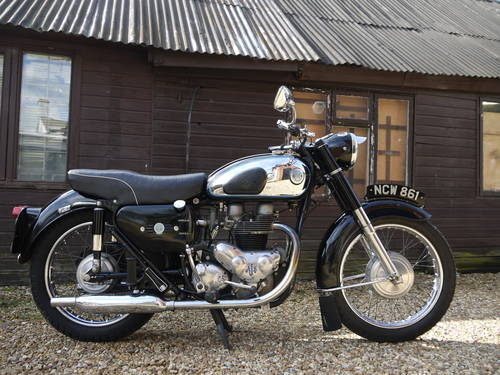 1962 AJS MODEL 31 - EXCELLENT RESTORED 650 TWIN !!  SOLD (picture 1 of 6)