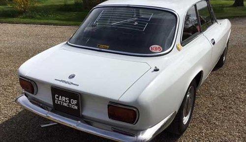 1969 Alfa Romeo 1750 GTV (Original RHD) SOLD (picture 3 of 6)