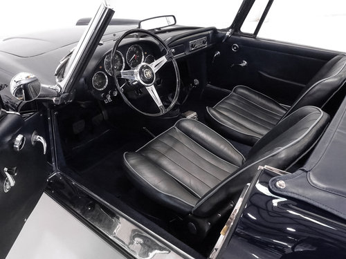 1963 Alfa Romeo 2600 Spider by Touring SOLD (picture 3 of 6)