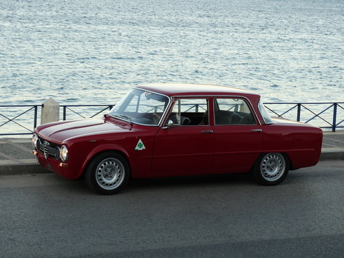 1972 Alfa Romeo Giulia Super, road and track car For Sale (picture 2 of 6)