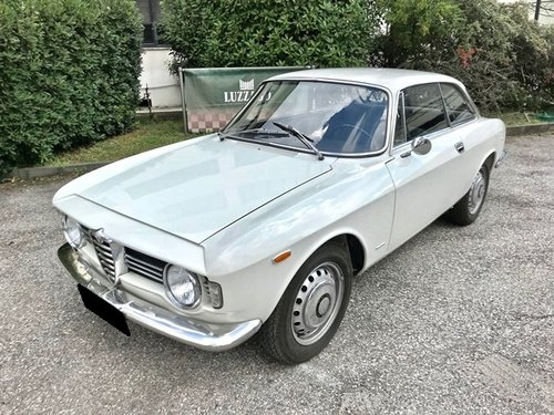1967 ALFA ROMEO GIULIA SPRINT GT VELOCE 1600 For Sale (picture 1 of 6)