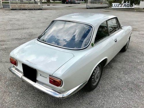 1967 ALFA ROMEO GIULIA SPRINT GT VELOCE 1600 For Sale (picture 3 of 6)