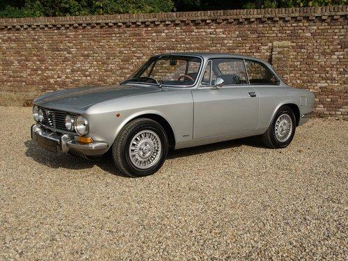 ALFA ROMEO2000 GTV BERTONE FULLY RESTORED CONDITION (1973) For Sale (picture 1 of 6)