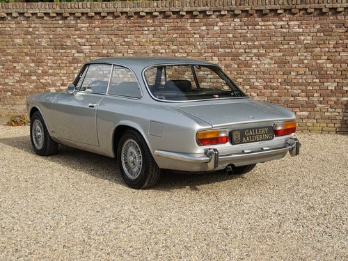 ALFA ROMEO2000 GTV BERTONE FULLY RESTORED CONDITION (1973) For Sale (picture 2 of 6)