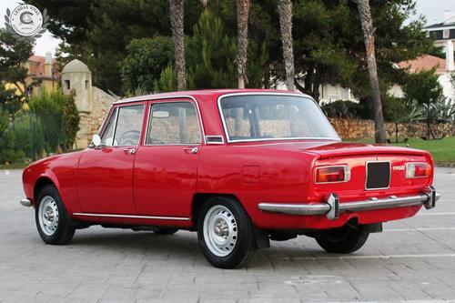 1971 Alfa Romeo Berlina 1750 SOLD (picture 3 of 6)