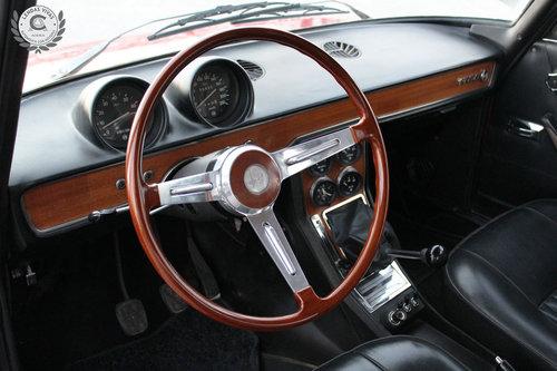 1971 Alfa Romeo Berlina 1750 SOLD (picture 4 of 6)