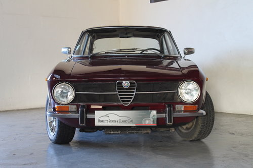 1972 Alfa Romeo Giulia GT 1300 Junior For Sale (picture 2 of 6)
