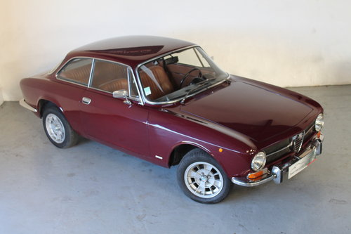 1972 Alfa Romeo Giulia GT 1300 Junior For Sale (picture 3 of 6)