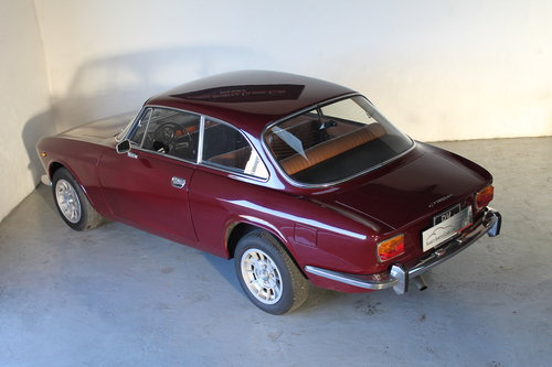 1972 Alfa Romeo Giulia GT 1300 Junior For Sale (picture 4 of 6)