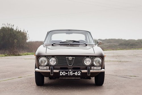 1975 Alfa Romeo 2000 GTV Fully Restored For Sale (picture 2 of 6)