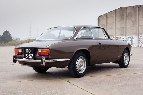 1975 Alfa Romeo 2000 GTV Fully Restored For Sale (picture 4 of 6)