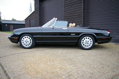 1991 Alfa Romeo Spider 2.0 Twin Cam Manual SERIES 4 (19590 miles) SOLD (picture 2 of 6)