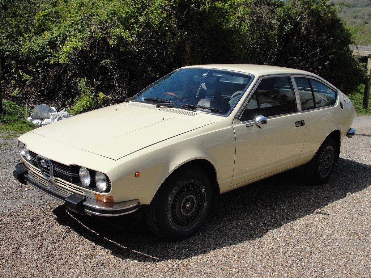 1977 ALFA ROMEO ALFETTA GTV 2 Litre '77 CREAM RHD SOLD (picture 1 of 6)