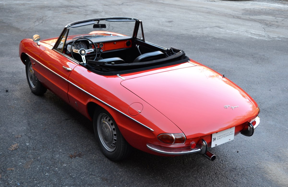 1967 Alfa Romeo Duetto Spider SOLD (picture 1 of 6)