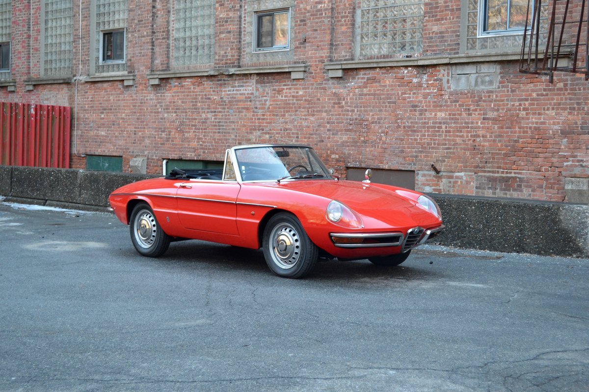 1967 Alfa Romeo Duetto Spider SOLD (picture 2 of 6)