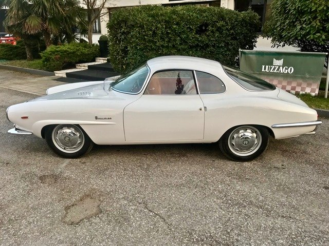1963 ALFA ROMEO GIULIA SPRINT SPECIALE FULL RESTORATION SOLD (picture 2 of 6)