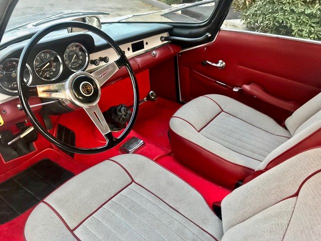 1963 ALFA ROMEO GIULIA SPRINT SPECIALE FULL RESTORATION SOLD (picture 4 of 6)