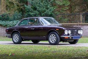 1975 Beautiful Alfa Romeo 2000 GTV with two double Dellorto's