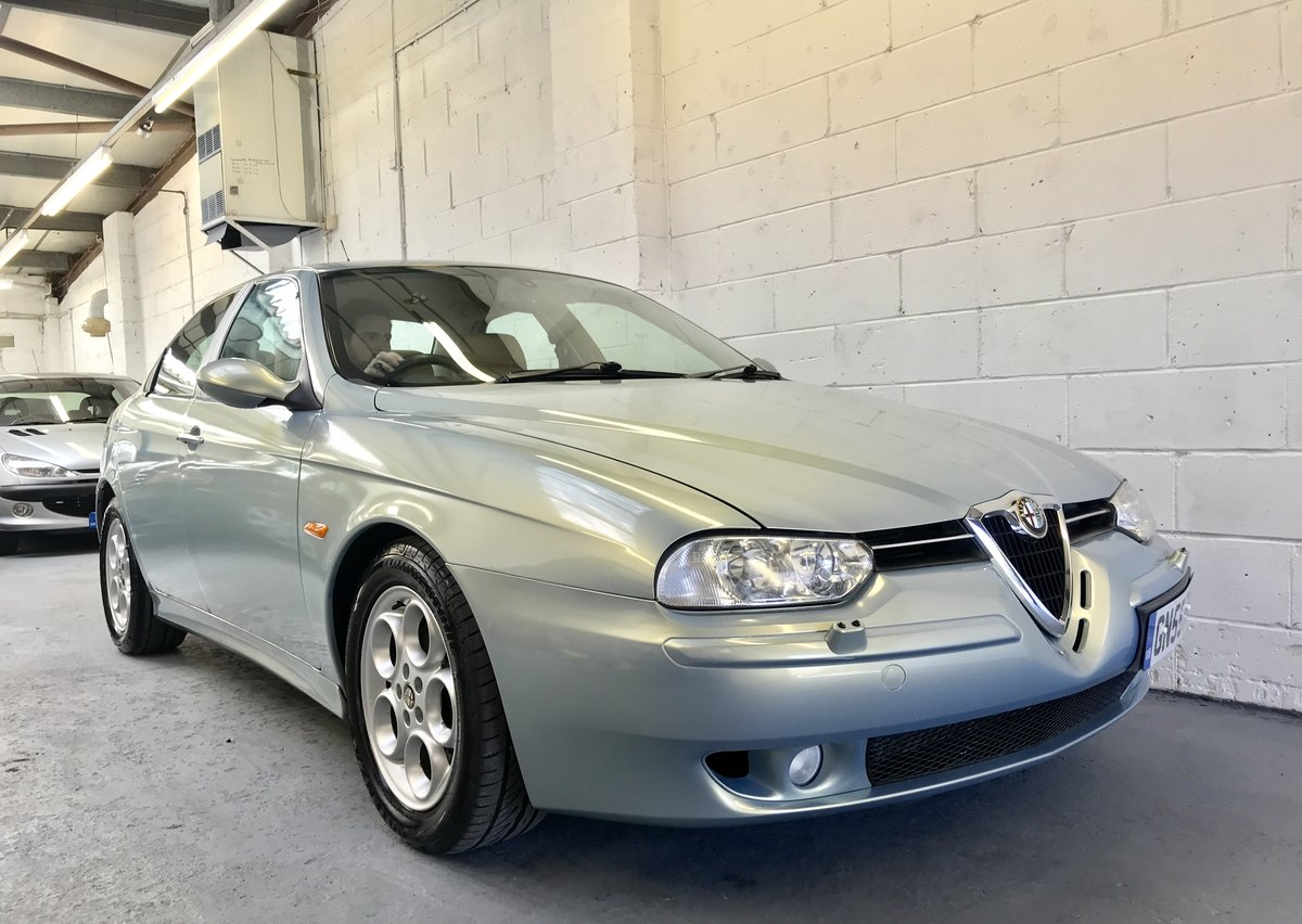 2005 Alfa Romeo 156 2.5 V6 with 17,300 Miles Pearl Paint 2 Owners For Sale (picture 2 of 6)