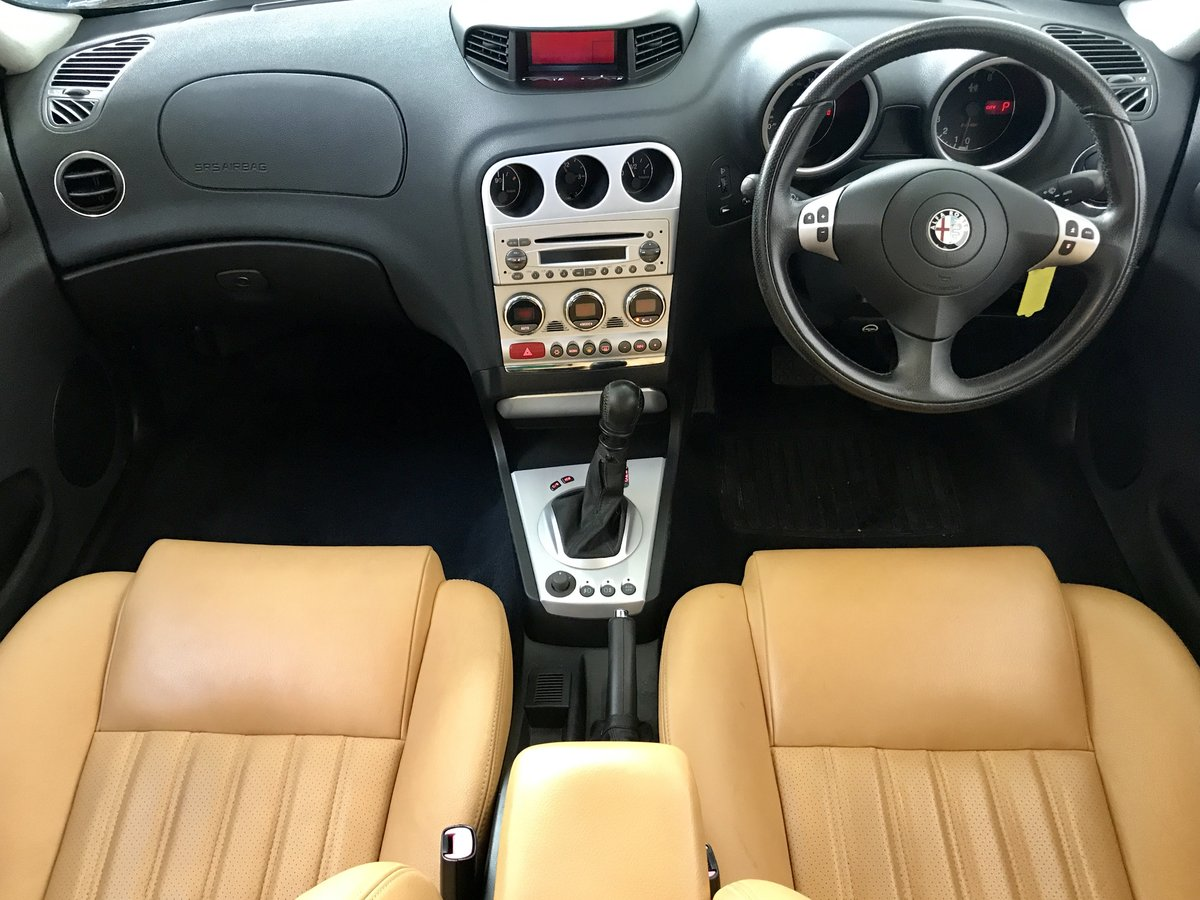 2005 Alfa Romeo 156 2.5 V6 with 17,300 Miles Pearl Paint 2 Owners For Sale (picture 6 of 6)