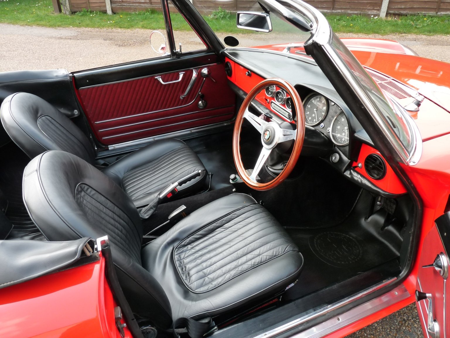 1967 Alfa Romeo Spider Duetto, UK car, Sold SOLD (picture 3 of 6)