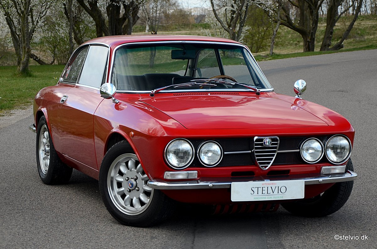 1969 Alfa Romeo 1750 GT Veloce Series 1 For Sale (picture 1 of 6)